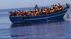 Migranti, 72 sbarcati in Calabria. Altri 141 soccorsi da Aquarius