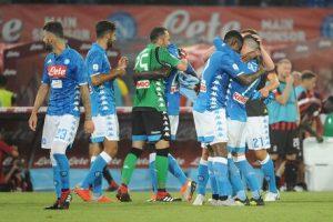 """Napoli compra pagine giornali per attaccare de Magistris: """"Sindaco inadeguato"""""""