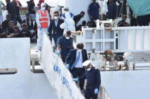 Diciotti, nave diventata galera fuorilegge: Antonio Buttazzo per Blitz