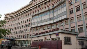 Torino, ricoverata a 10 anni per denutrizione. I genitori la portano via