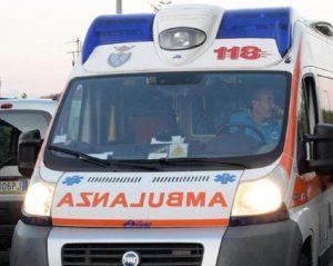 Pagani (Salerno): medici aggrediti dai familiari di un paziente. Costretti a scappare con l'ambulanza (foto d'archivio Ansa)