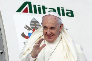 """Papa Francesco in Irlanda: """"Abusi su minori sono crimini ripugnanti. Abbiamo Fallito"""""""