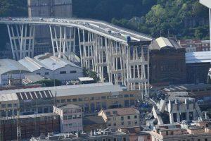 Ponte Morandi minato? La delirante ipotesi gira su Facebook