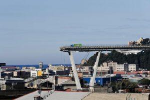 """Ponte Morandi, la bufala social: """"Mamma grida: crolla tutto"""""""