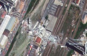 Ponte Morandi, le immagini satellitari del crollo 9