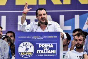 Salvini denunciato da alcuni cittadini di Treviso per istigazione all'odio razziale