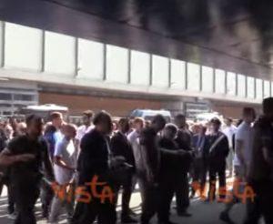 Genova, ai funerali di Stato i giocatori di Sampdoria e Genoa: applausi per loro VIDEO