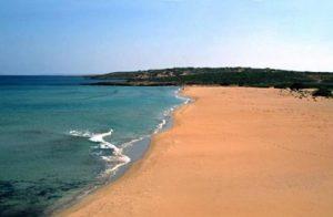 Francia, sepolto per gioco sotto la sabbia: muore annegato (foto Ansa)