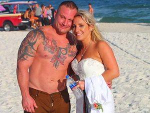 Alabama, sposo eroe interrompe il matrimonio per salvare un ragazzo che stava annegando