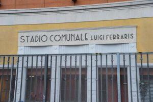 Genova, silenzio dentro lo stadio per il dolore del ponte Morandi