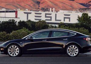 Elon Musk dietrofront: Tesla resta in Borsa, no delisting
