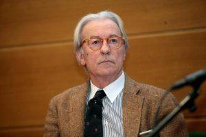 """Vittorio Feltri risponde alla lettrice che ha divorziato per il triangolo: """"Esagerata, avresti potuto..."""""""