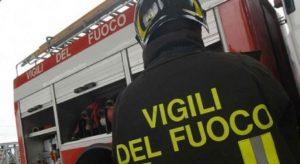 Milano, tenta di far esplodere il palazzo e poi si impicca: vigili del fuoco evitano strage (foto d'archivio Ansa)