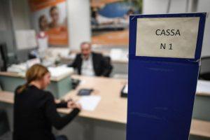 Banche italiane in crisi: governo restituisce conti congelati. Con gli interessi di quando si guadagnava