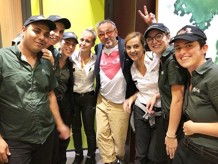 Bruno Barbieri al McDonald's: la foto con lo staff