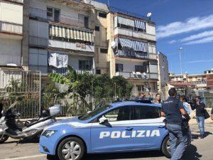 Bari, ennesimo agguato vicino a una scuola elementare: un ferito grave