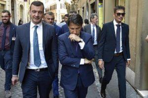 """Rocco Casalino minaccia, Conte e M5S lo difendono: """"Diffusione audio è illegittima"""""""