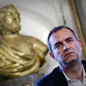 """De Magistris, """"una moneta autonoma per Napoli"""". Come la chiamerà? Partenope, giggino, napo orso capo..."""