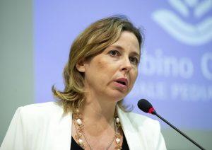 """Vaccini, il ministro Grillo: """"Obbligo per il morbillo, non esavalente"""""""