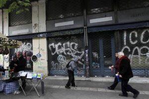 Negozi chiusi domenica, 56% dice no. Primo piccolo stop, operazione nostalgia Lega-M5S