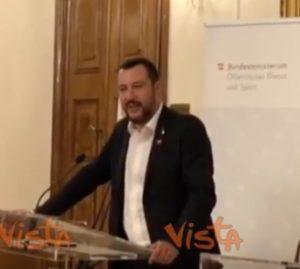 """Migranti, Salvini difende Orban: """"Presto noi al governo della Ue"""""""