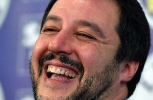 Lega, comode rate da 600mila euro l'anno per restituire i 49 milioni. Ci vorranno 80 anni