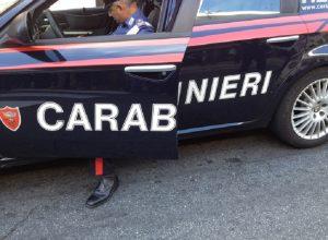 """Scarperia (Firenze), il padre che ha ucciso il figlio di un anno con una coltellata. L'avvocato: """"Non ricorda nulla"""""""