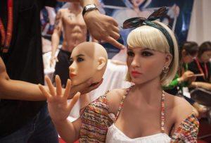 Torino, casa di appuntamenti con bambole di silicone: oggi apertura, 80 euro mezz'ora