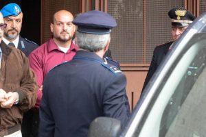 Luca Traini in carcere fa amicizia con due detenuti di colore. A Macerata sparò contro i neri