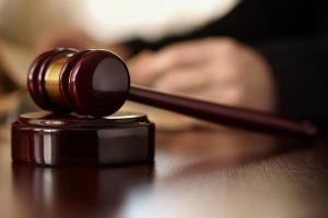Chiede lo sperma del marito morente per un secondo figlio: giudice dice sì