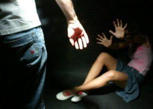 Milano, prende taxi abusivo all'uscita dalla discoteca: lui la sequestra e la violenta