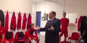 """Silvio Berlusconi, video discorso ai calciatori del Monza: """"Chi ci crede vince"""". Ma hanno pareggiato"""