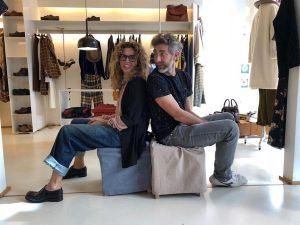 Marcello Moscara nella boutique Dress a Lecce: l'artista esporrà una sua opera inedita