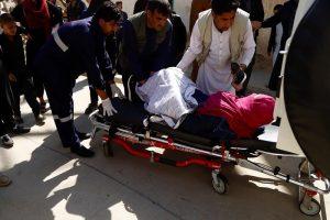 Afghanistan, elezioni con le bombe lanciate dei talebani: almeno 50 morti, centinaia di feriti
