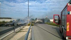 Castelluccio dei Sauri, assalto al portavalori con autogru: colpo fallisce, traffico in tilt