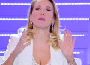 """Pomeriggio 5, Barbara D'Urso: """"Di Veronica Panarello non mi frega..."""""""