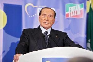 Dittature peggiori nate dal voto popolare. Berlusconi (nella foto Ansa): l'Italia è in pericolo
