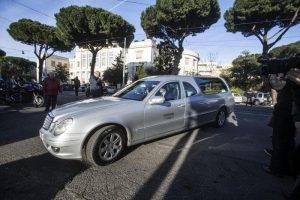 Feltre: carro funebre con salma fermato dai vigili per la revisione scaduta