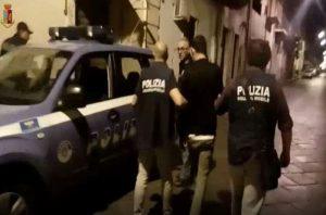 Catania, producevano e smerciavano marijuana  20 arresti