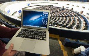 Diritto d'autore: i tre articoli della riforma Ue sui quali si litiga