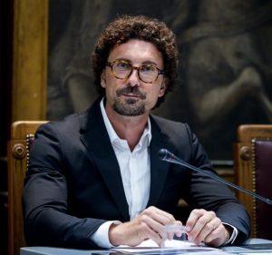 Tav, Foietta a Toninelli(nella foto): non ci sono penali ma non farla costerà 4 miliardi