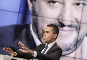 Di Maio e Salvini insieme almeno altri 6 mesi. Condono e governo restano entrambi (foto Ansa)
