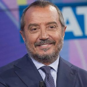"""Marco Travaglio contro Franco Di Mare: """"Direttore del Tg1? Unico caso di galleggiante-assorbente"""""""