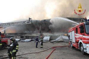 Milano, forte odore di plastica bruciata: Arpa rassicura