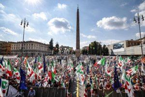 """M5S, si dimette Cosimo Ettorre, il consigliere di Moncalieri che diede dei """"malati di Alzheimer"""" ai militanti Pd"""