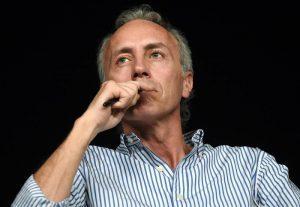 Marco Travaglio (nella foto) bacchetta Di Maio: infantile e inadeguato. E su Draghi...