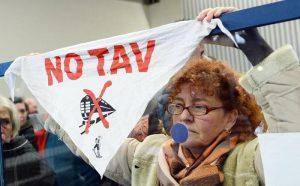 No-Tav. 16 condanne e 3 assoluzioni per gli scontri in Val Susa del 2015: 30 anni di carcere