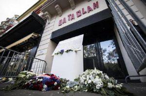 Alexandra Damien, si finse vittima degli attentati di Parigi: condannata a sei mesi di carcere (foto Ansa)