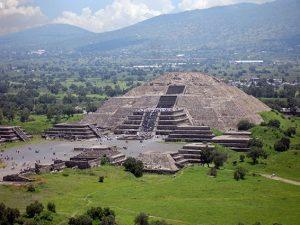 """Messico, c'è un tunnel sotto la Piramide della Luna: """"Era il passaggio per gli inferi"""""""
