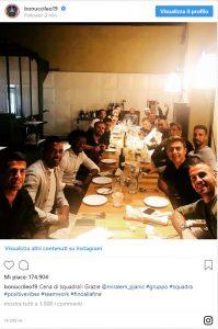 Juventus, cena di squadra. Bonucci scherza